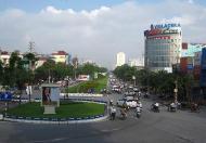 Cho thuê cửa hàng ngay ngã tư Hoàng Quốc Việt, Cầu Giấy làm thời trang, mỹ phẩm.