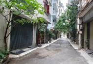 Bán Nhà tại quận Cầu Giấy, Hà Nội. Gara ô tô 7 chỗ, giá 5.7 tỷ.