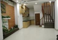 Nhà đẹp Đê Tô Hoàng 30m,3 tầng,3 phòng ngủ,2wc,1 phòng khách,bếp tầng 3,giá 2.3 tỷ