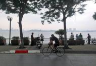 Bán nhà lô góc mặt Hồ Tây, mặt phố Nguyễn Đình Thi, sổ 24m2, T2 32m2, siêu thoáng, chỉ 9.6 tỷ.