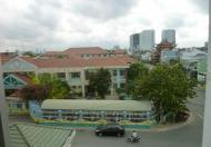 Bán căn hộ Bông Sao block mới Quận 8, DT 68m, 2PN, 2WC, view Quận 1, nhà trống, lầu cao thoáng mát