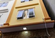 Cho thuê nhà ngõ 9 Trần Quốc Hoàn, 4 tầng 55m 15 tr ô tô đỗ cửa