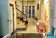 Cần bán cực Gấp nhà ở phố Việt Hưng