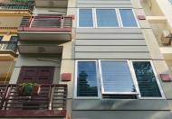 Cho thuê nhà ngõ 193 trung kính 53m x 4T giá 18tr/th, ngõ ô tô tránh