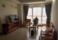 Cần bán gấp căn hộ tập thể b24 TT Kim Liên, Đống Đa, giá rẻ nhất khu này LH:0916896622