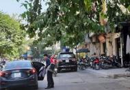 Định cư nước ngoài bán gấp nhà mặt phố Giang Văn Minh 17 tỷ