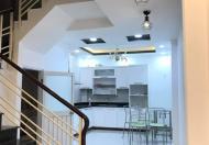 Bán nhà 2 tầng(4,5mx14m), Đường Trường Sa, Quận Phú Nhuận. Giá 7,3 tỷ.