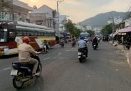 Bán nhà mặt tiền, sát biển trung tâm Nha Trang kinh doanh thuận tiện
