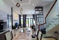 .Mặt tiền Bùi Đình Tuý, giáp Đinh Bộ Lĩnh, ngang 8 m. dài 19.5 m, 3 lầu, có sân vườn rộng, gara riêng biệt.