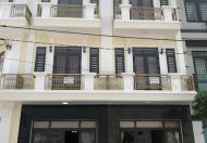 Bán nhà phố 2 lầu 1 trệt gần trung tâm y tế dĩ an bình dương.