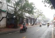 Cho thuê nhà làm nhà hàng mặt hồ Thành Công: 125m2, mặt tiền 5m.