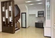 Cần bán căn nhà đường Yên Hòa_Quận Cầu Giấy, 40m2, mặt tiền 4.8m, giá 4.35 tỷ.