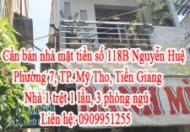 Do gia đình chuyển về quê nên cần bán nhà mặt tiền số 118B Nguyễn Huệ, Phường 7, TP. Mỹ Tho, Tiền