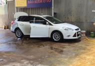 CẦN BÁN NHANH XE Ô TÔ : focus sedan cuối 2014 trắng ngọc trinh. Còn đăng kiểm đến tháng 2.2021.
