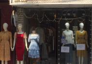 Sang nhượng cửa hàng thời trang nữ mặt phố số 134 Lương Thế Vinh, Thanh Xuân, Hà Nội.