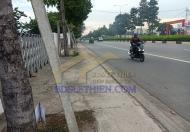 Bán đất mặt tiền Mỹ Phước Tân Vạn. DT 4630m2.Giá 17tr/m2. LH 0826737274
