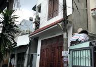 Bán nhà 1 trệt 1 lầu và 7 phòng trọ chợ xóm nghèo dĩ an
