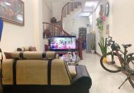 Bán nhà Phố Đại Từ 40m,5T, ngõ thông taxi đỗ cửa, 30m ra phố, gần chợ Đại Từ, ngay Hồ Linh Đàm, giá 3.1 tỷ.