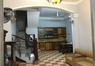 Cho thuê nhà nguyên căn ngõ 285 Đội Cấn, DT 50m2x3 tầng Giá 12tr/th LH 0914727599
