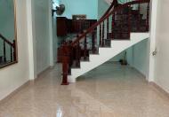Nhà 3 tầng ngõ Trần Thái Tông, ngõ nông, gần đường chính, sân cổng thoáng, 1tỷ150