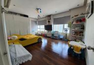 Saigon Pearl 2 căn hộ ghép lại với diện tích 225m2, nội thất dính tường bán