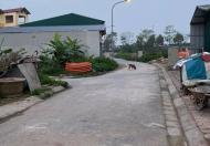 Bán đất thổ cư chia lô, ô tô đỗ cửa tại phường Cự Khối, Long Biên. DT 35m2 giá 2,25 tỷ.