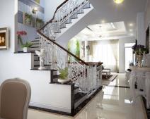 Cửa phòng đối diện cầu thang - tác hại và cách hóa giải